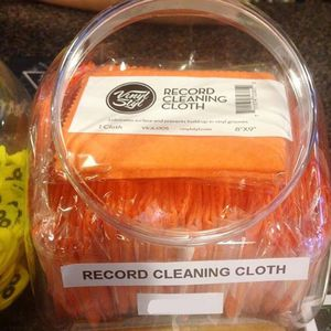 Vinyl Styl™ 25CT Fishbowl Lubricated Cleaning Cloth